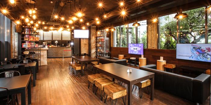 The Dining Area of Caveman Base at 8/8 Civic Horizon Hotel&Residences G Floor, Sukhumvit Road Sukhumvit 63(Ekkamai) Wattana, Phra Kanong Nua, Bangkok