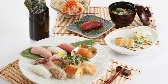 Sushi Set from Sushi Cyu at CENTRAL WORLD 3rd Floor, Atrium Zone 999/9 Rama 1 Road Patumwan, Bangkok