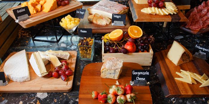 Sunday Brunch Cheese from Amaya Food Gallery at Amari Watergate Bangkok Hotel 847 Phetchaburi Road Makkasan, Ratchathewi Bangkok