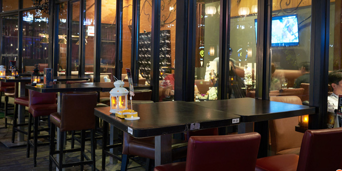 Ambience from Why Here Bar & Bistro at 1839/9 Phaholyothin Rd. Ladyao, Chatuchak Bangkok