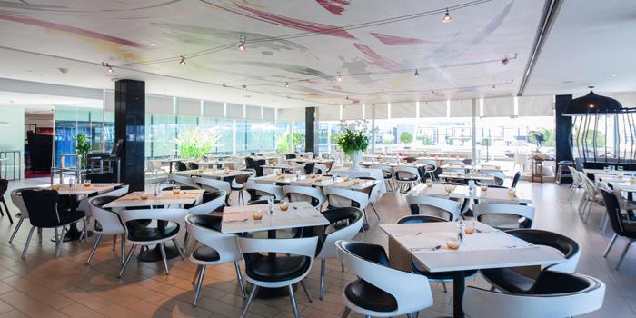 Ambience of Cafe 9 Restaurant at Centara Watergate Pavillion Hotel Bangkok 567 Ratchaprarop Rd Makkasan, Ratchathewi Bangkok