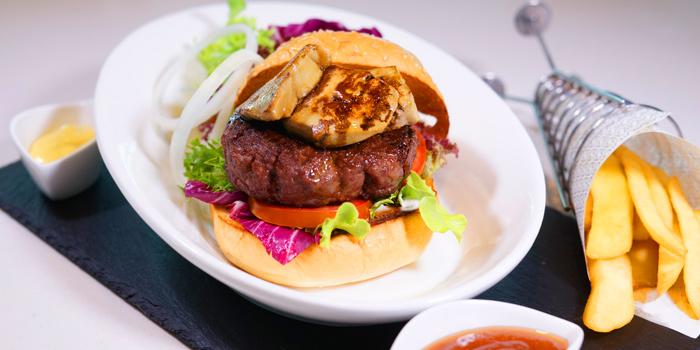 Beef Burgers from Cafe 9 Restaurant at Centara Watergate Pavillion Hotel Bangkok 567 Ratchaprarop Rd Makkasan, Ratchathewi Bangkok