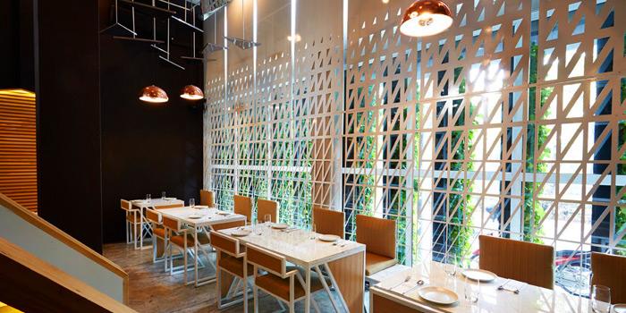 Dinning Area from Baan Restaurant at 139/5 Witthayu Rd Lumphini, Patumwan Bangkok