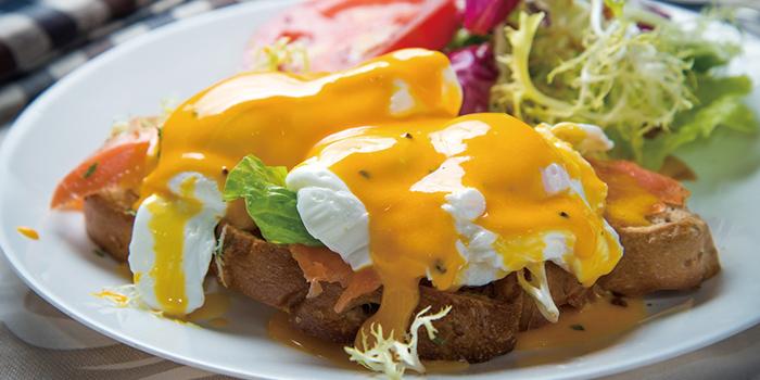 Eggs Benedict, Zenon Cafe, Central, Hong Kong