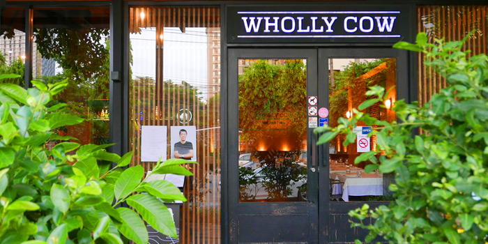 Entrance from Wholly Cow Restaurant at 34/1 Soi Ari 2, Phahonyothin Samsain nai, Phayathai Bangkok
