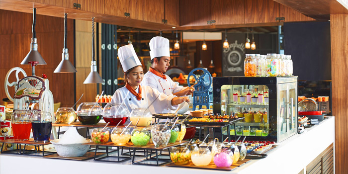 Dessert Section Station from Amaya Food Gallery at Amari Watergate Bangkok Hotel 847 Phetchaburi Road Makkasan, Ratchathewi Bangkok