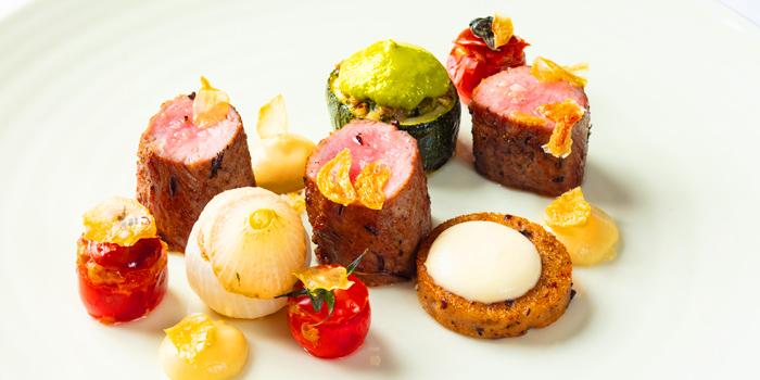 Grilled Tuna Tataki form Fireplace Grill and Bar Restaurant at InterContinental, Bangkok