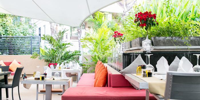 Outdoor Dining of Leonardo Da Vinci Restaurant in Kata Noi, Phuket, Thailand.
