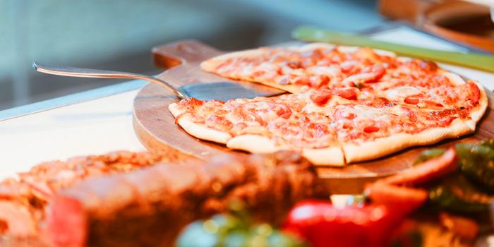 Pizza from Cafe 9 Restaurant at Centara Watergate Pavillion Hotel Bangkok 567 Ratchaprarop Rd Makkasan, Ratchathewi Bangkok