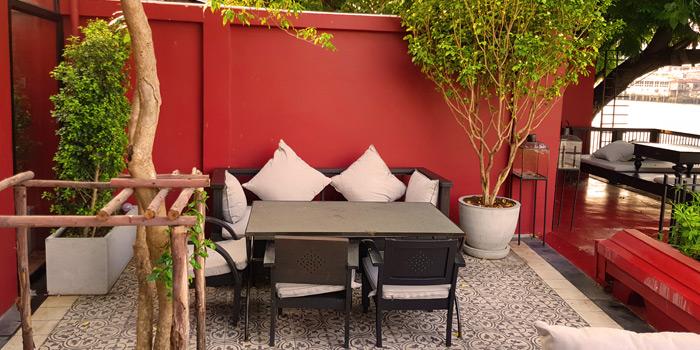 Quiet Corner of NYE Cafestaurant at 2/1 Soi Chiangmai 1 Chiangmai Road Klongsarn Bangkok