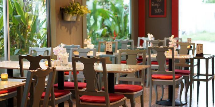 Restaurant Atmosphere of The Corner Restaurant in Cherngtalay, Phuket, Thailand.