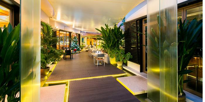Restaurant-Atmosphere of Leonardo Da Vinci Restaurant in Kata Noi, Phuket, Thailand.