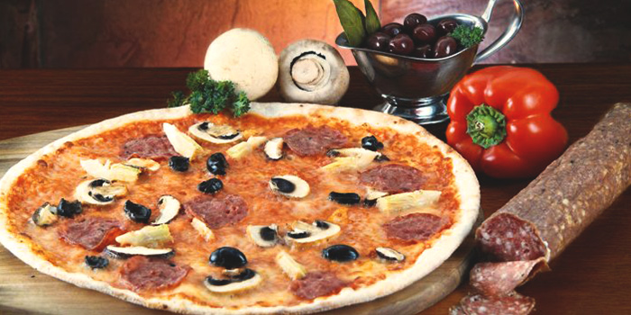 Pizza from Casa Roma Ristorante Italiano in Bukit Timah, Singapore