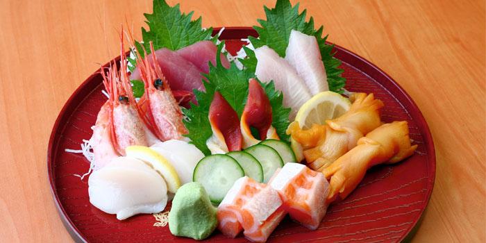 Standing Sushi Bar (Income @ Raffles)