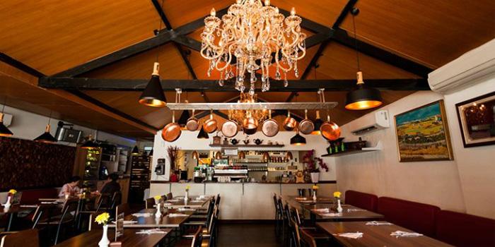 Expatriate Italian Restaurant, Wine & Coffee