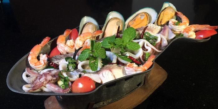 Tom Yum Seafood from The Witch Antiques & Restaurant at Muban Seri Villa Alley, Lane 2 Nong Bon, Prawet Bangkok Thailand