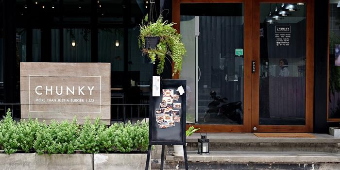The Entrance of Chunky at 110/1 Sukhumvit 23 Khlongtoei Nua, Watthana Bangkok