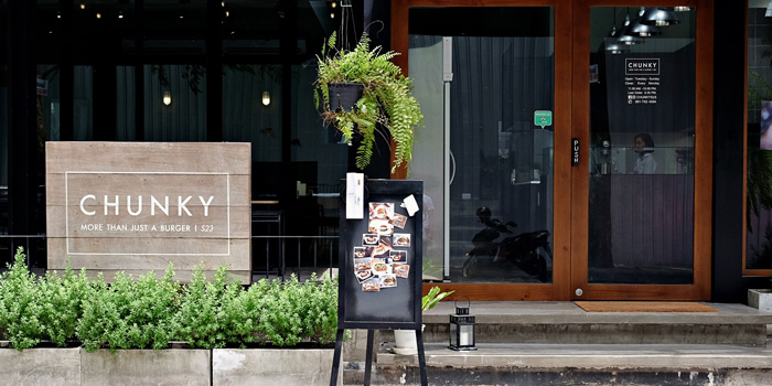 The Entrance of Chunky at 110/1 Sukhumvit 23 Khlongtoei Nua, Watthana Bangkok