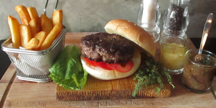 Wagyu Burger from Blend Bistro & Wine Bar at 531-533 Sukhumvit Rd Khlong Toei Nuea, Watthana Bangkok