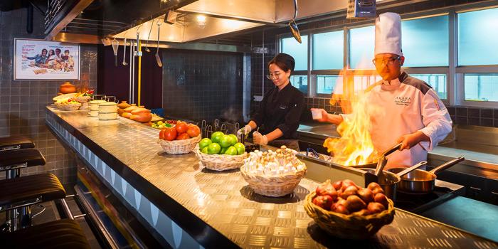 Kitchen Area of ROSS KITCHEN at Akara Hotel 372 Sri Ayutthaya Rd Phyathai, Rajthevi Bangkok