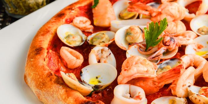 Pizza Frutti Di Mare from Di Farina at 111 Soi Sathon12 Sathon Road, Silom, Bangrak Bangkok