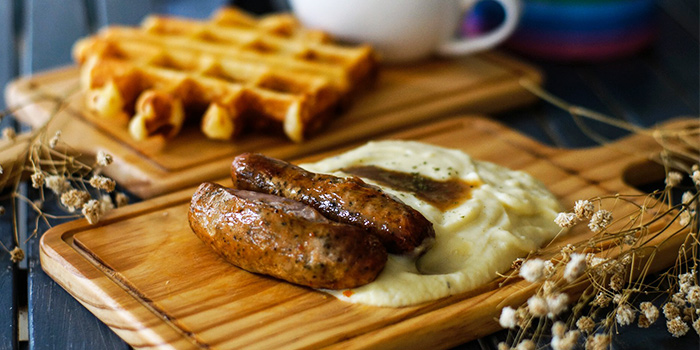Bangers and Mash from Cranky Cats x Hatter Street Crawford in Lavender, Singapore
