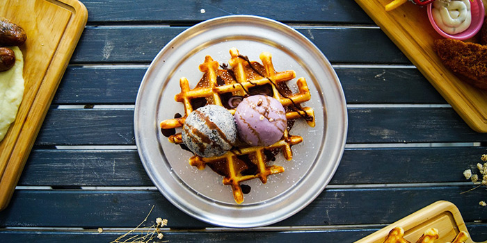 Signature Whoaffle Set from Cranky Cats in Lavender, Singapore