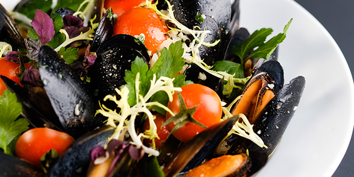 Poached Black Mussels from Timbre @ The Arts House in Raffles Place, Singapore