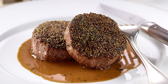 Steak au Poivre, Hugo