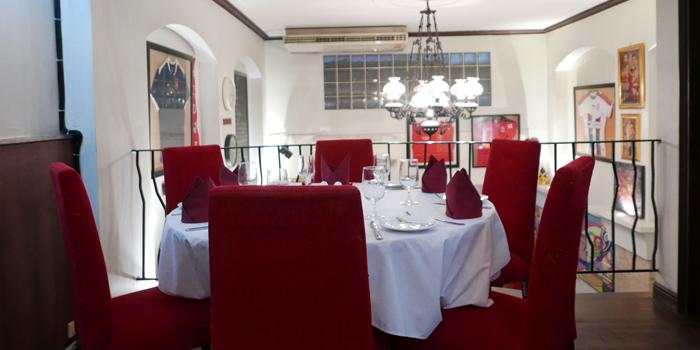 The Dining Table of JP French Restaurant at 59/1 Sukhumvit Rd., Soi 31 (Soi Sawasdee) Wattana, Klong Toey Bangkok