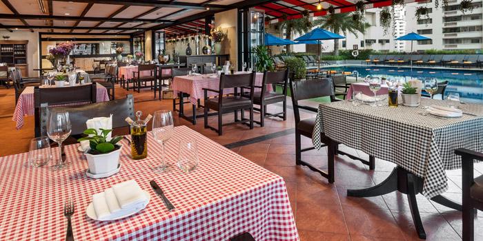 The Dining Table of da Vinci Ristorante italiano at 4th Floor, Rembrandt Hotel 19 Sukhumvit Soi 18 Sukhumvit rd, Klong Toei Bangkok