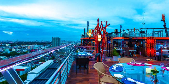Ambience of The Roof Gastro at Siam@Siam Design Hotel Bangkok 865 Rama 1 Road Wang Mai, Patumwan Bangkok