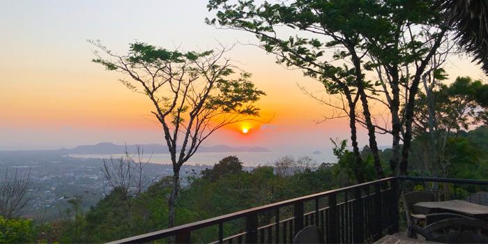 Atmosphere of Mountain Breeze Bar & Restaurant & Bar in Chalong, Phuket, Thailand