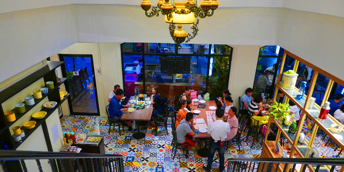 Dinning Area of The Dishes Seafood & Restaurant at 2194 Charoen Krung Rd Wat Phraya Krai, Bang Kho Laem Bangkok