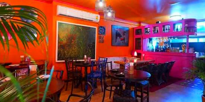 Dinning Area of Eats Payao at 5/4 Yen Akat Rd Khwaeng Chong Nonsi, Khet Yan Nawa Bangkok