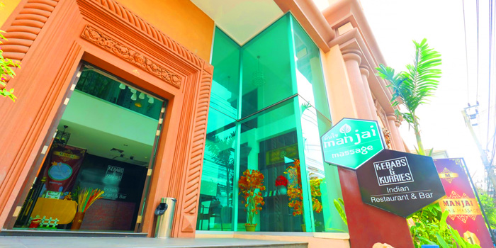 Entrance of Kebabs & Kurries Restaurant at 265/2 Soi Sukhumvit 31 Khlong Toei Nuea, Khet Watthana Bangkok