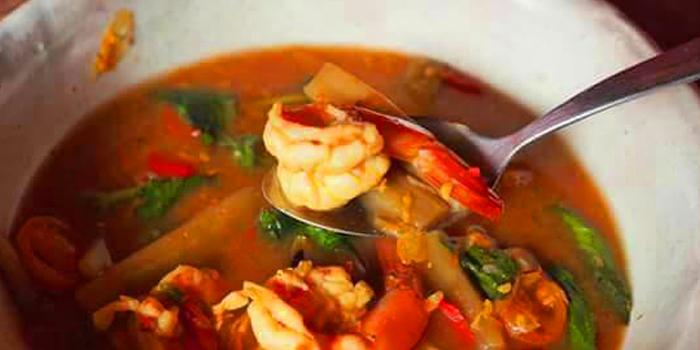 Gaeng Som Sai Bua from Eats Payao at 5/4 Yen Akat Rd Khwaeng Chong Nonsi, Khet Yan Nawa Bangkok