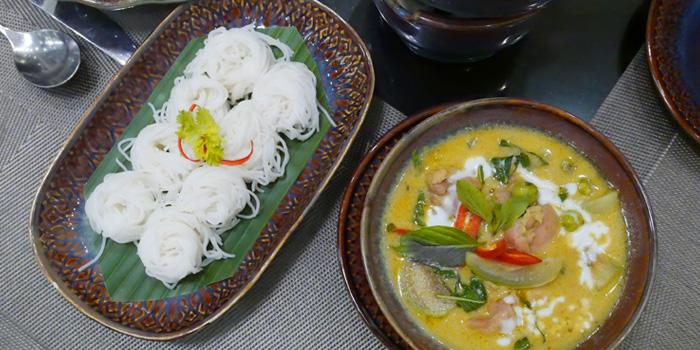 Gang Kiew Waan Kai from Thai Thai by Mesamis Cafe at Grande Centre Point Hotel Soi Mahat Lek Luang 1, Ratchadamri Road Bangkok