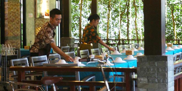 Table Setting of Kaabgluay in Patong, Phuket, Thailand