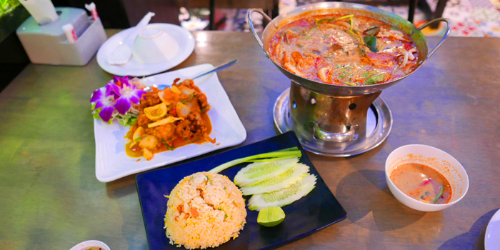 Selection of Food from The Dishes Seafood & Restaurant at 2194 Charoen Krung Rd Wat Phraya Krai, Bang Kho Laem Bangkok