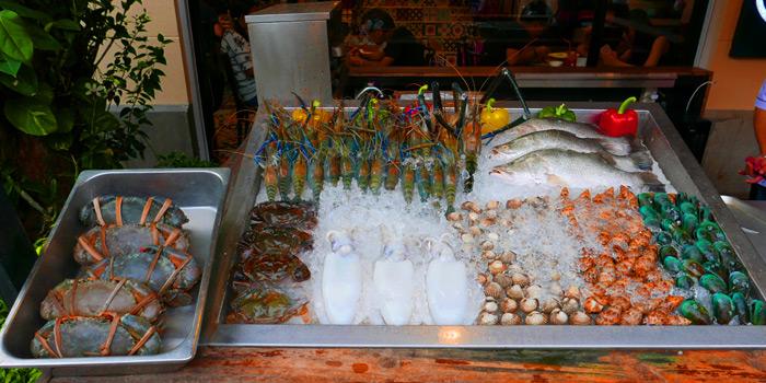 Selection of Seafood from The Dishes Seafood & Restaurant at 2194 Charoen Krung Rd Wat Phraya Krai, Bang Kho Laem Bangkok