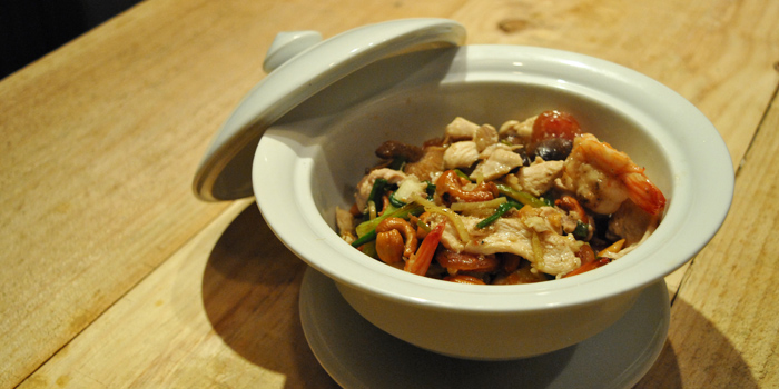 Chicken Cashew Nut from Fork & Cork Bar & Restaurant at W22 Hotel 422 Mittraphan Rd., Pomprap, Pomprapsattruphai Bangkok