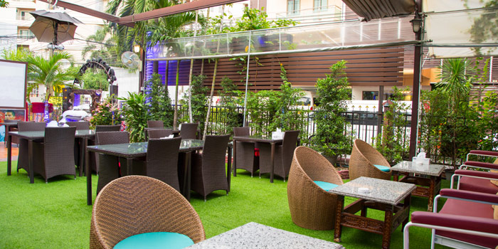 Outdoor Seating from Arabesque Restaurant at 68/1 Sukhumvit Soi 2 Sukhumvit Rd, Klongtoey Bangkok