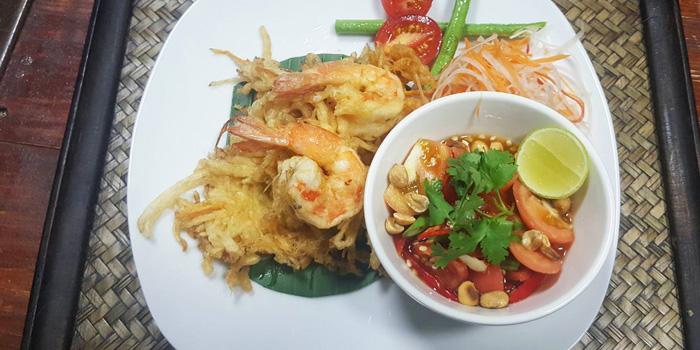 Pad Thai from Fork & Cork Bar & Restaurant at W22 Hotel 422 Mittraphan Rd., Pomprap, Pomprapsattruphai Bangkok