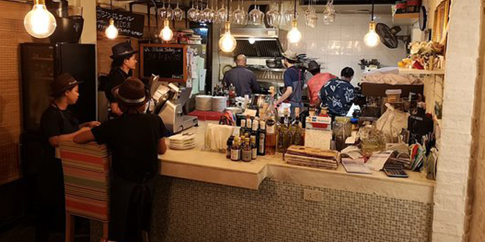 Ambience of Peppe Italian Food & Wine at 1954/3 Soi 60 Sukhumvit Rd Bang Chak,Phra Khanong Bangkok
