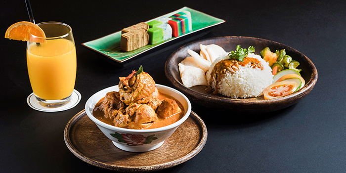 Curry from Spices Cafe in Concorde Hotel Singapore in Orchard, Singapore
