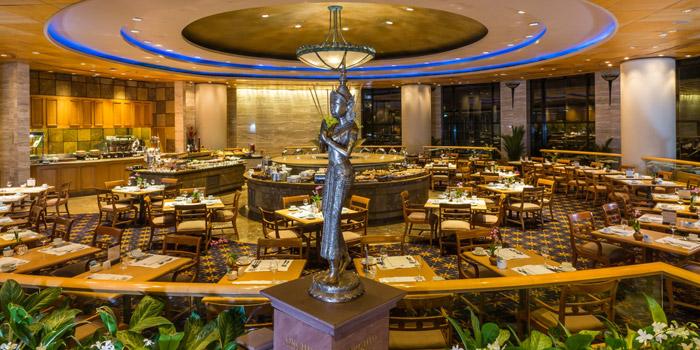 Dining Area of Orchid Cafe at Sheraton Grande Hotel, Bangkok