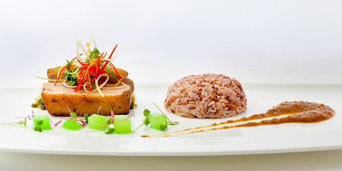 Arwana Restaurant (The Laguna, a Luxury Collection Resort & Spa)