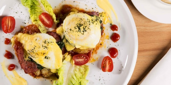 Eggs Benedict at Socall Ribs