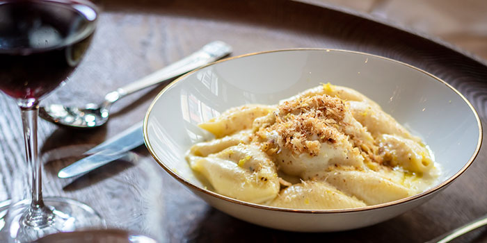 Macaroni & Cheese, Gough